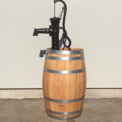 Wijnvat 110 liter met nostalgische handpomp