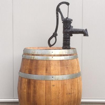 Wijnvat eiken 300 liter met handpomp